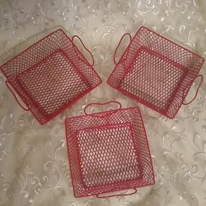 7 Wire Baskets with Heart handles